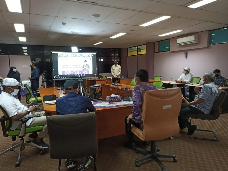 Wakil Bupati Tangerang Mad Romli saat mengikuti Bintek dan Workshop Anugerah Desa Wisata Indonesia secara virtual. (RIK)