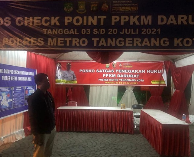 Pos penyekatan PPKM di Kota Tangerang tanpa penjaga. (IST)