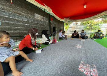 Pertemuan kelompok tani binaan CSR PT IKPP Tangerang. (RAY)